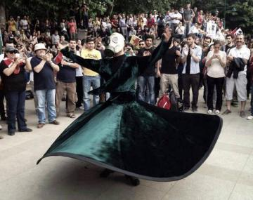 Dervish_OccupyGezi_gasmask